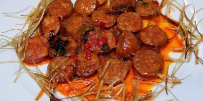 Chorizo al Vino de Sanlúcar - Restaurante Las Golondrinas
