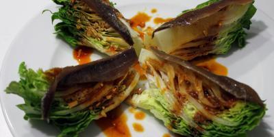 Cogollos de Lechuga con Anchoas - Restaurante Las Golondrinas