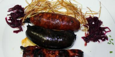 Mixto de Chorizo, Morcilla y Criollo a la Brasa - Restaurante Las Golondrinas